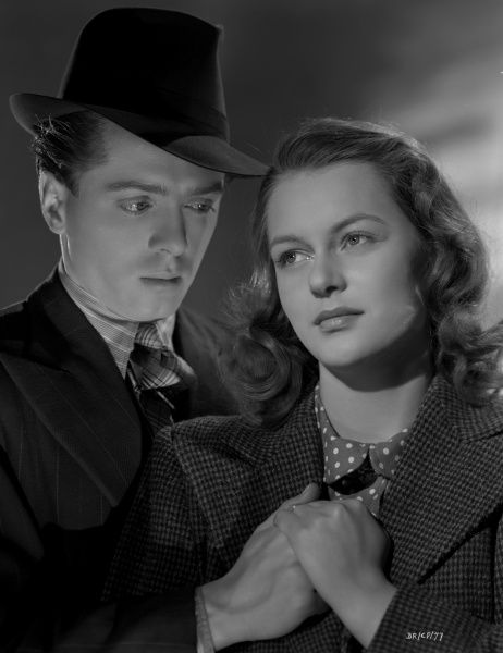 Pinkie (Richard Attenborough) and Rose (Carol Marsh) in a promotional shot for the release of Brighton Rock