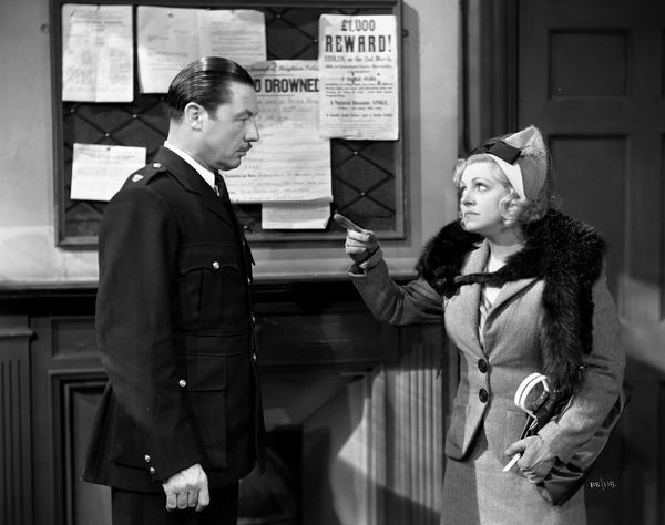 Campbell Copelin and Hermione Baddeley in a moment from John Boulting's Brighton Rock (1947)