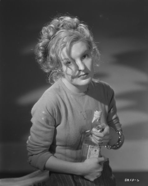 Virgina Winter in character as Judy in a publicity portrait for the release of John Boulting's Brighton Rock in 1947