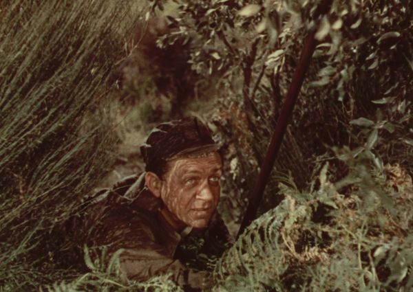 Sid James in a scene from The Titfield Thunderbolt