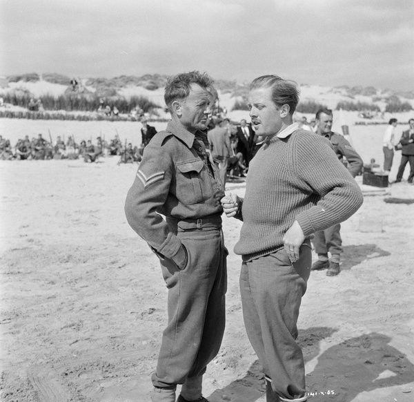 Actors John Mills and Richard Attenborough on the set of Leslie Norman's 'Dunkirk&#39