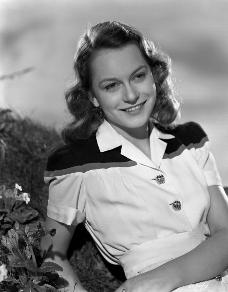 A smiling Carol Marsh in a promotional image for the release of John Boulting's Brighton Rock in 1947