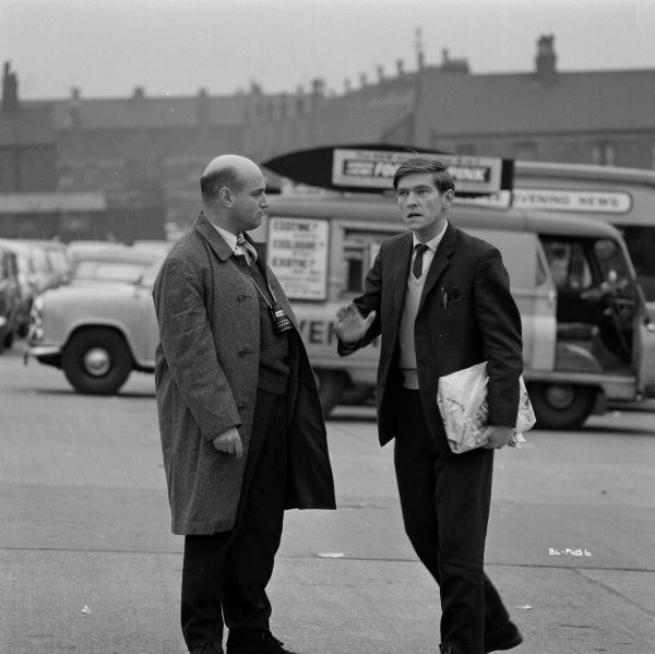 Director John Schlesinger and Tom Courtenay during a pause of the filming of Billy Liar in 1963