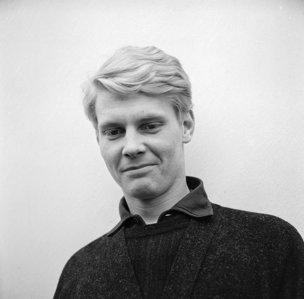 James Fox smiles in a pause of the filming of Joseph Losey's classic drama 'The Servant' written by Harold Pinter