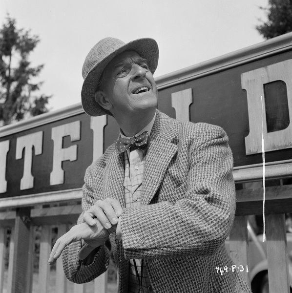 Stanley Holloway. as Valentine in Charles Crichton's Titfield Thunderbolt
