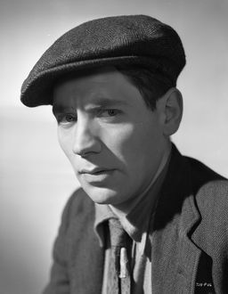 Alfie Bass in a portrait for The Lavender Hill Mob (1951)