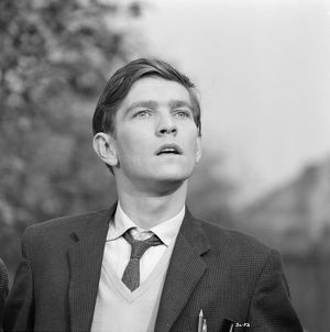 A black and white production still image from Billy Liar (1963)