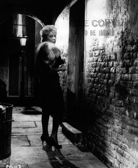 Brenda Bruce in a production still image from Peeping Tom (1960)