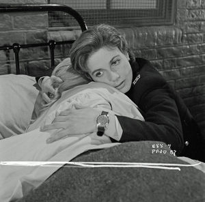 A scene from Yield to the Night (1956)
